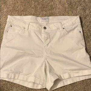 Like new! Only worn once! White jean short